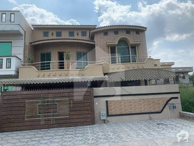 35X70 Triple Storey House For Sale In G-13/4