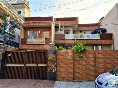 گلبرگ 2 گلبرگ لاہور میں 5 کمروں کا 11 مرلہ مکان 4.5 کروڑ میں برائے فروخت۔