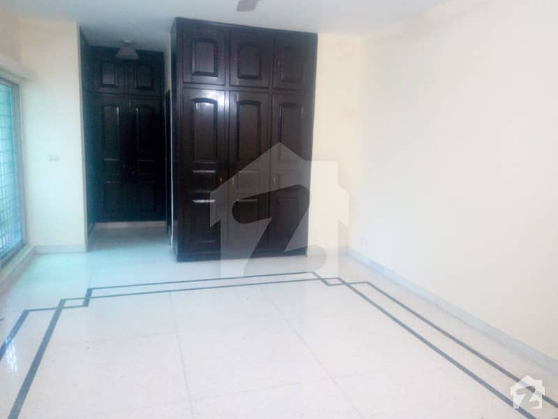 Embassy Road Double Storey House Available For Rent