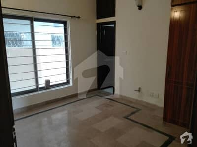 D12 25x40 Ground Portion For Rent