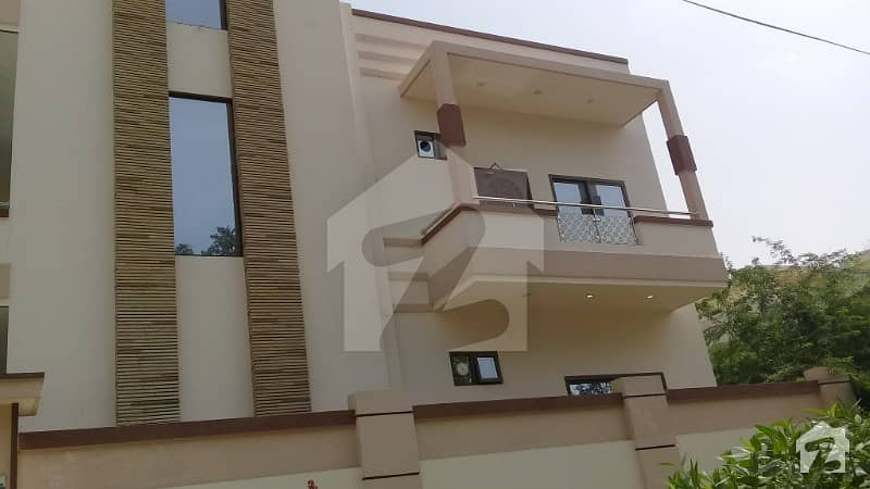 Block 3 Jauhar 200 Sq Yard Corner Bungalow For Sale