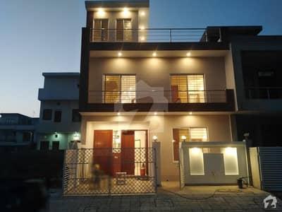 ڈی ۔ 12/4 ڈی ۔ 12 اسلام آباد میں 3 کمروں کا 4 مرلہ مکان 2.2 کروڑ میں برائے فروخت۔