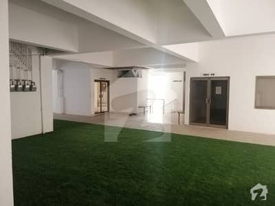 Flat For Sale With 4 Bed With Dd Plus Servant Main Khalid Bin Waleed Road