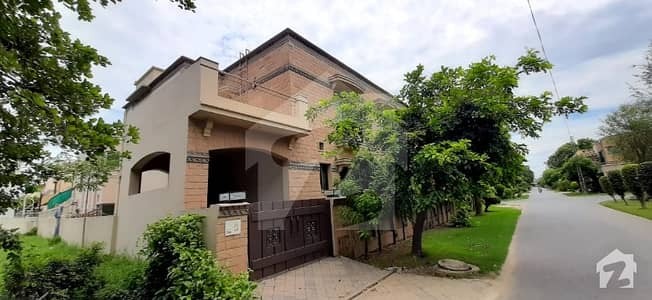 1 Kanal Upper Portion With Separate Gate Available In Dha Phase 4 Lahore