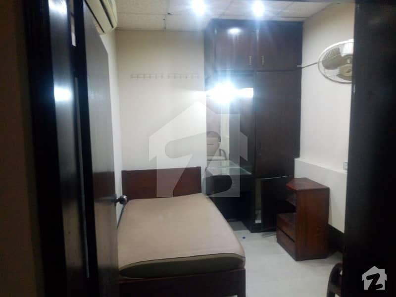 ماڈل ٹاؤن ۔ بلاک ایم ماڈل ٹاؤن لاہور میں 1 کمرے کا 0.40 مرلہ کمرہ 12 ہزار میں کرایہ پر دستیاب ہے۔