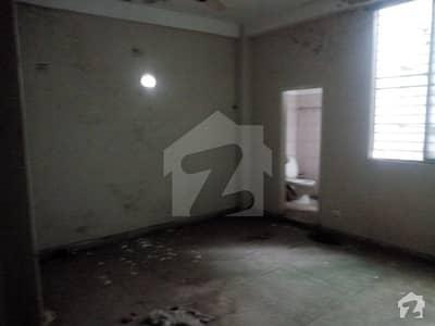 فیصل ٹاؤن لاہور میں 1 کمرے کا 1 مرلہ کمرہ 12 ہزار میں کرایہ پر دستیاب ہے۔