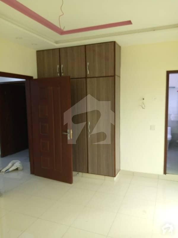 اسٹیٹ لائف فیز 1 - بلاک ایف اسٹیٹ لائف ہاؤسنگ فیز 1 اسٹیٹ لائف ہاؤسنگ سوسائٹی لاہور میں 2 کمروں کا 4 مرلہ بالائی پورشن 27 ہزار میں کرایہ پر دستیاب ہے۔