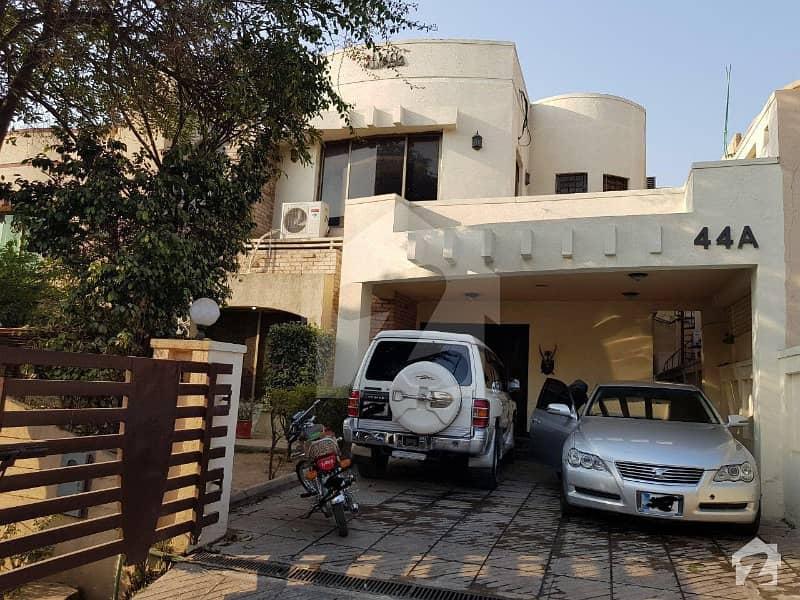 بحریہ ٹاؤن ۔ سفاری ولاز 2 بحریہ ٹاؤن راولپنڈی راولپنڈی میں 3 کمروں کا 12 مرلہ مکان 2.58 کروڑ میں برائے فروخت۔