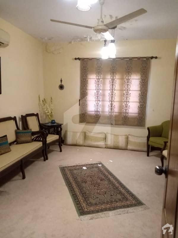 کلفٹن ۔ بلاک 5 کلفٹن کراچی میں 3 کمروں کا 9 مرلہ فلیٹ 2.65 کروڑ میں برائے فروخت۔