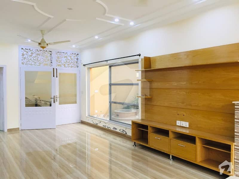 اسٹیٹ لائف ہاؤسنگ فیز 1 اسٹیٹ لائف ہاؤسنگ سوسائٹی لاہور میں 3 کمروں کا 1 کنال بالائی پورشن 50 ہزار میں کرایہ پر دستیاب ہے۔