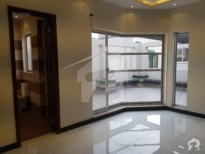 ڈی ایچ اے فیز 5 - بلاک ایل فیز 5 ڈیفنس (ڈی ایچ اے) لاہور میں 4 کمروں کا 10 مرلہ مکان 1.4 لاکھ میں کرایہ پر دستیاب ہے۔