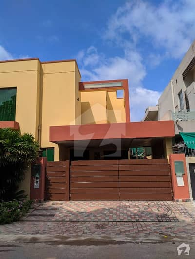 10 Marla Corner 7 Year Old House Available For Sale In Dha Phase 1