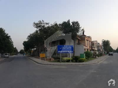 150 ft Main Boulevard 2.67 Marla Commercial for Sale In Awais Karni Super Hot Investment
