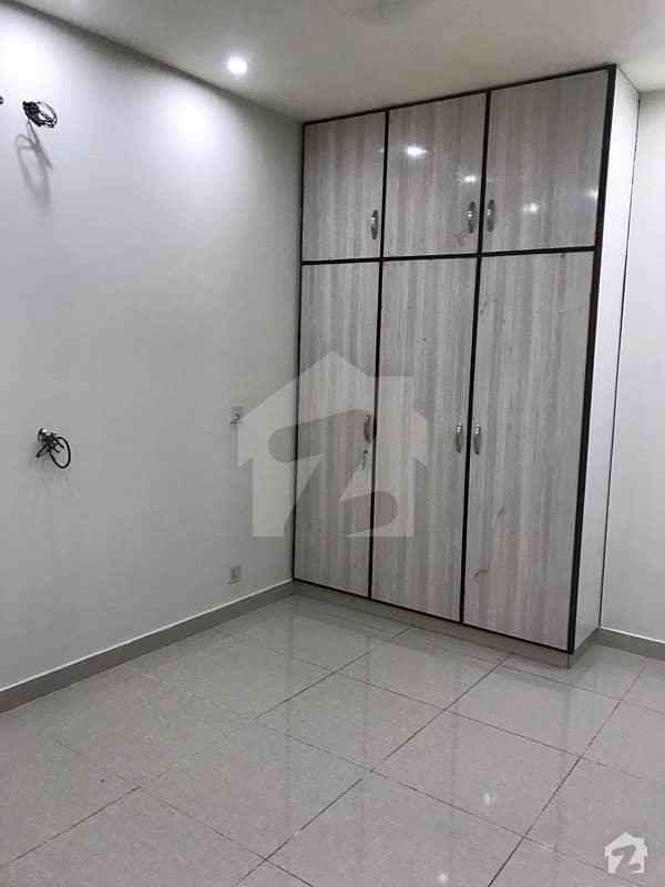 بحریہ ٹاؤن سیکٹر سی بحریہ ٹاؤن لاہور میں 5 کمروں کا 10 مرلہ مکان 72 ہزار میں کرایہ پر دستیاب ہے۔