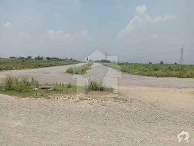 آئی۔12/1 آئی ۔ 12 اسلام آباد میں 8 مرلہ رہائشی پلاٹ 61 لاکھ میں برائے فروخت۔