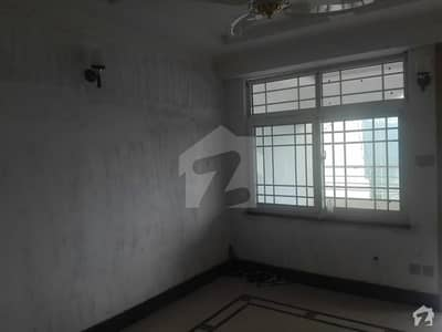 1000 Square Feet Flat Ideally Situated In Murree Expressway