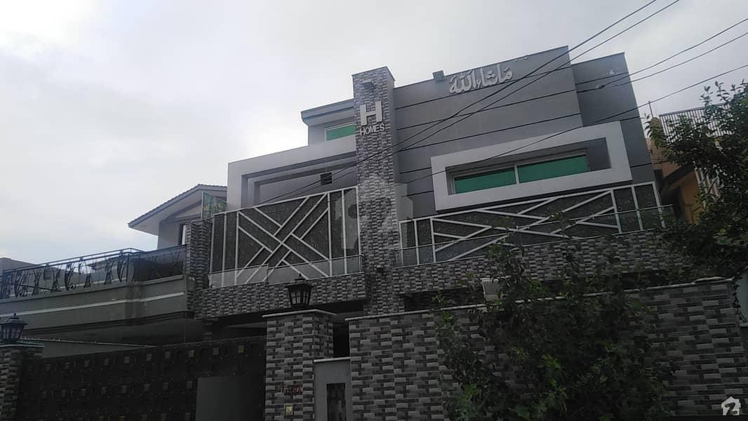ورسک روڈ پشاور میں 6 کمروں کا 10 مرلہ مکان 2.4 کروڑ میں برائے فروخت۔