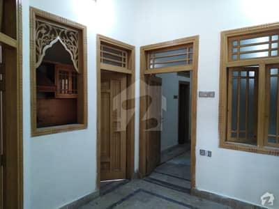 گلبرگ پشاور میں 2 کمروں کا 3 مرلہ مکان 14 ہزار میں کرایہ پر دستیاب ہے۔