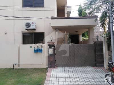ڈی ایچ اے فیز 2 - بلاک آر فیز 2 ڈیفنس (ڈی ایچ اے) لاہور میں 2 کمروں کا 1 کنال بالائی پورشن 55 ہزار میں کرایہ پر دستیاب ہے۔