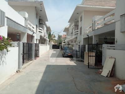 کلفٹن ۔ بلاک 5 کلفٹن کراچی میں 4 کمروں کا 10 مرلہ مکان 6.75 کروڑ میں برائے فروخت۔