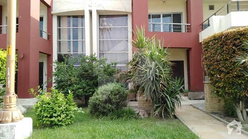 بحریہ ٹاؤن سفاری ولاز بحریہ ٹاؤن سیکٹر B بحریہ ٹاؤن لاہور میں 3 کمروں کا 8 مرلہ مکان 1.55 کروڑ میں برائے فروخت۔
