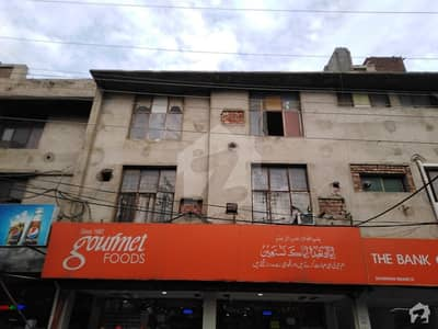 شادمان لاہور میں 2 کمروں کا 9 مرلہ فلیٹ 50 ہزار میں کرایہ پر دستیاب ہے۔