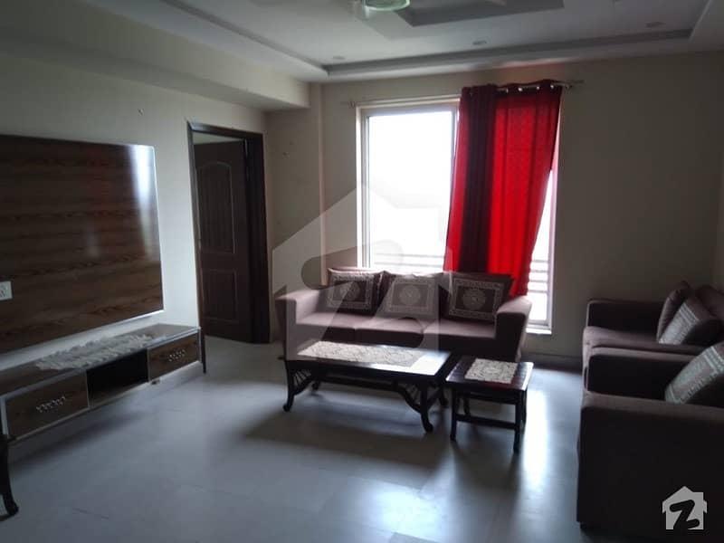 بحریہ ٹاؤن سیکٹر ای بحریہ ٹاؤن لاہور میں 2 کمروں کا 4 مرلہ فلیٹ 50 ہزار میں کرایہ پر دستیاب ہے۔