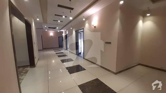 ڈی ایچ اے فیز 6 ڈی ایچ اے کراچی میں 6 کمروں کا 1.2 کنال مکان 14 کروڑ میں برائے فروخت۔