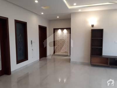 ڈی ایچ اے فیز 2 - بلاک کیو فیز 2 ڈیفنس (ڈی ایچ اے) لاہور میں 5 کمروں کا 1 کنال مکان 1.25 لاکھ میں کرایہ پر دستیاب ہے۔