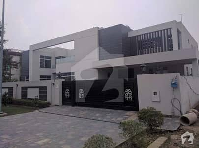 1 Kanal Luxurious Bungalow Available For Rent In Dha Phase 4 Block Hh