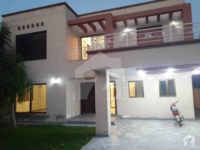 اسٹیٹ لائف فیز 1 - بلاک سی اسٹیٹ لائف ہاؤسنگ فیز 1 اسٹیٹ لائف ہاؤسنگ سوسائٹی لاہور میں 5 کمروں کا 1 کنال مکان 1.1 لاکھ میں کرایہ پر دستیاب ہے۔