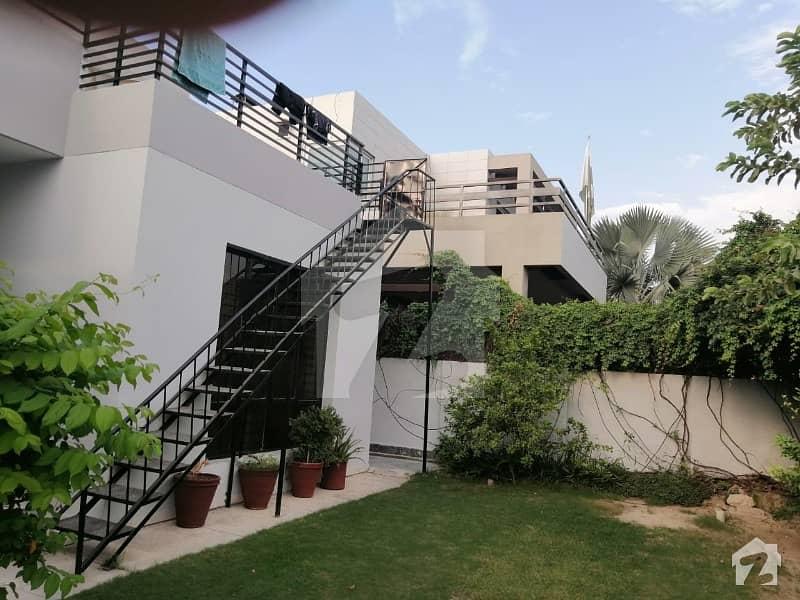 ڈی ایچ اے فیز 3 - بلاک ایکس فیز 3 ڈیفنس (ڈی ایچ اے) لاہور میں 1 کمرے کا 1 کنال کمرہ 25 ہزار میں کرایہ پر دستیاب ہے۔