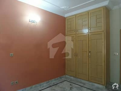 In Farooq-e-Azam Road House Sized 5 Marla For Rent
