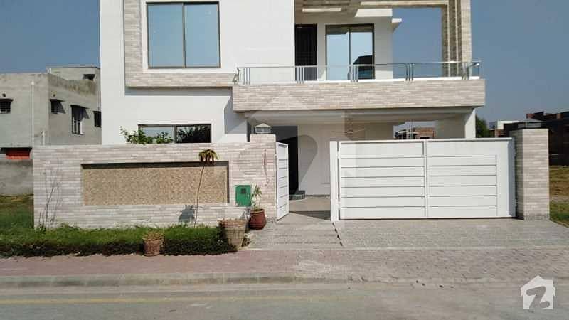 بحریہ ٹاؤن - طلحہ بلاک بحریہ ٹاؤن سیکٹر ای بحریہ ٹاؤن لاہور میں 10 مرلہ مکان 1.9 کروڑ میں برائے فروخت۔