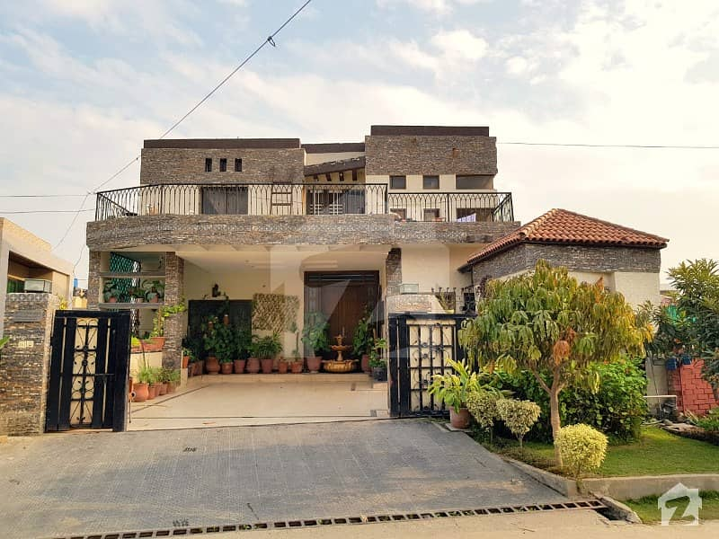 گلریز ہاؤسنگ سکیم راولپنڈی میں 10 کمروں کا 1 کنال مکان 3.85 کروڑ میں برائے فروخت۔