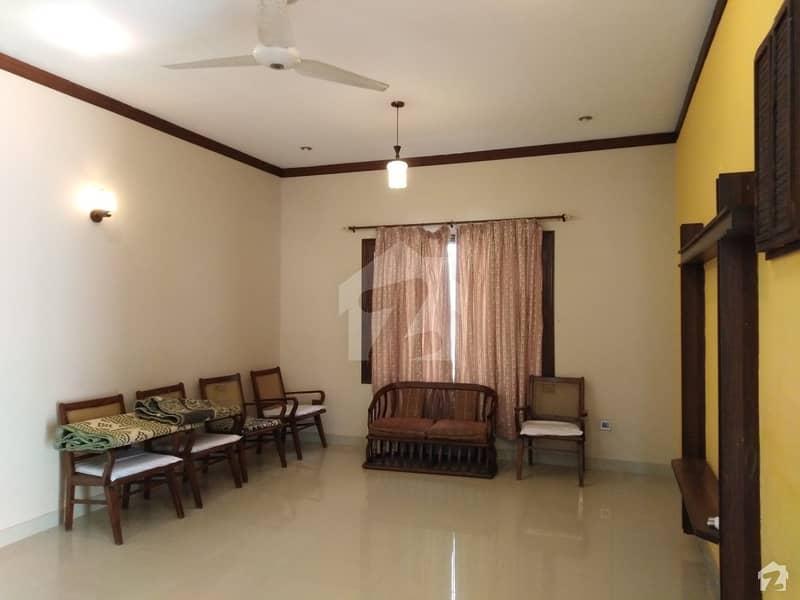 ڈی ایچ اے فیز 7 ڈی ایچ اے کراچی میں 5 کمروں کا 1 کنال مکان 9.5 کروڑ میں برائے فروخت۔