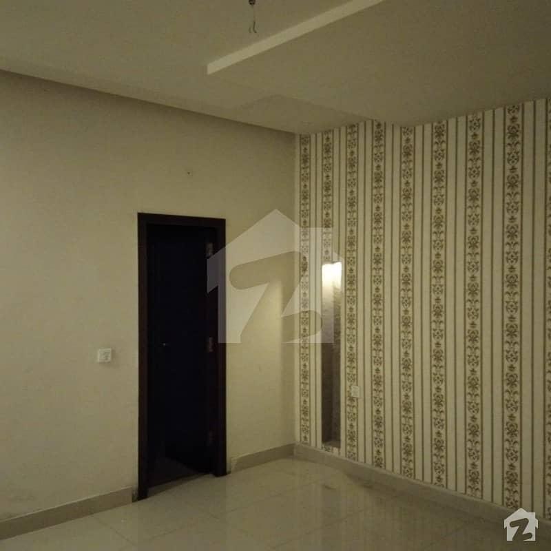 ایڈن ایگزیکیٹو ایڈن گارڈنز فیصل آباد میں 5 کمروں کا 7 مرلہ مکان 55 ہزار میں کرایہ پر دستیاب ہے۔
