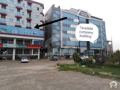 گلبرگ گرینز گلبرگ اسلام آباد میں 1 کمرے کا 2 مرلہ فلیٹ 32 لاکھ میں برائے فروخت۔
