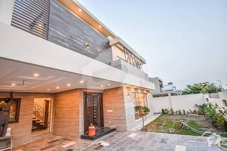 3 years OLD 1 Kanal Superb Bungalow For Sale