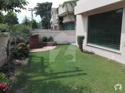 Defence New 1 Kanal Stylish Full House For Rent With Complete Acs