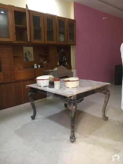 منی مارکیٹ گلبرگ لاہور میں 1 کمرے کا 5 مرلہ زیریں پورشن 25 ہزار میں کرایہ پر دستیاب ہے۔