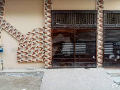 فیصل آباد روڈ اوکاڑہ میں 4 کمروں کا 5 مرلہ مکان 80 لاکھ میں برائے فروخت۔