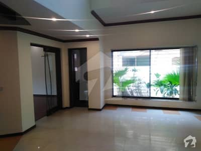 1 Kanal Stylish Bungalow For Rent Dha Phase 4