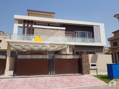 بحریہ ٹاؤن فیز 3 بحریہ ٹاؤن راولپنڈی راولپنڈی میں 5 کمروں کا 1 کنال مکان 4.85 کروڑ میں برائے فروخت۔