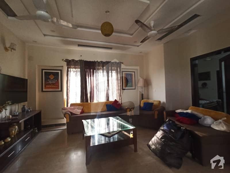 ڈی ایچ اے 11 رہبر لاہور میں 2 کمروں کا 10 مرلہ بالائی پورشن 37 ہزار میں کرایہ پر دستیاب ہے۔