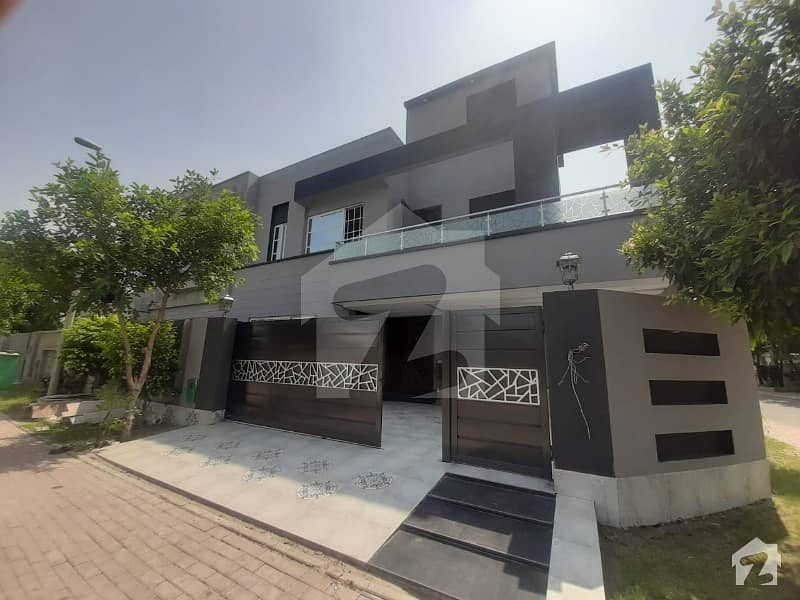 Luxurious Super Hot Peaceful Location 1125 Marla Brand New Corner House For Sale In Bahria Town Lahore