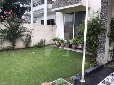 ایف ۔ 10 اسلام آباد میں 6 کمروں کا 1 کنال مکان 10.5 کروڑ میں برائے فروخت۔