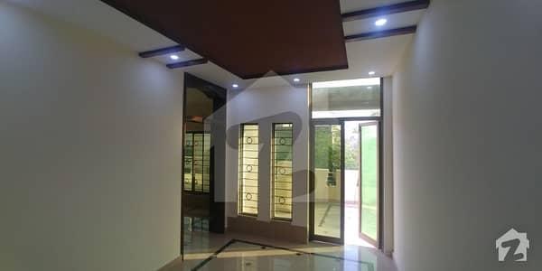 نشیمنِ اقبال لاہور میں 4 کمروں کا 1 کنال بالائی پورشن 55 ہزار میں کرایہ پر دستیاب ہے۔
