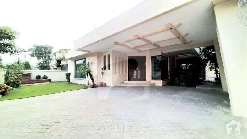 One Kanal Slightly Use Modern Bungalow Gift For Phase 4 Lovers Must Once Visit