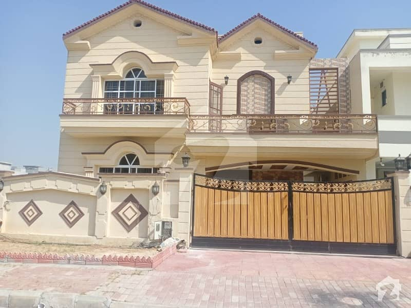 Its Very Prime Location Double Story 5 Bed Brand New House With Solid Land